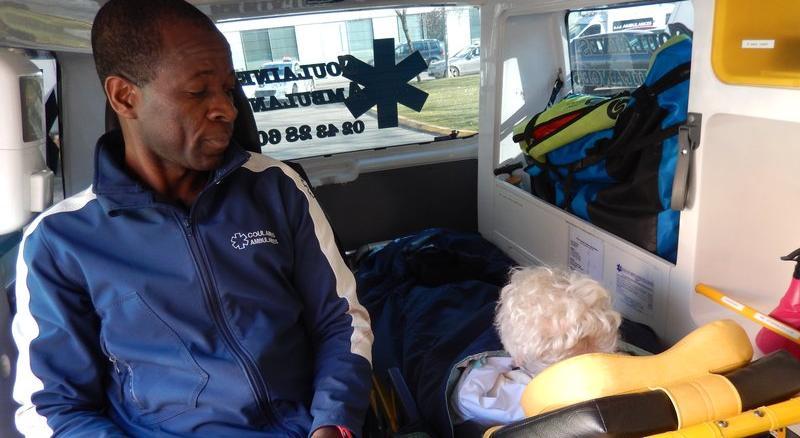 les prestations de transport et d 39 assistance de coulaines ambulances. Black Bedroom Furniture Sets. Home Design Ideas